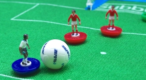 Subbuteo - Dribbling in the box!